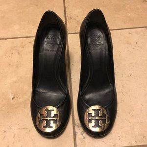 Tory Burch Sally Wedge shoe